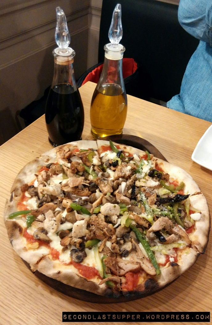 Chicken has landed and Celebrity Chicken Pizza in one.
