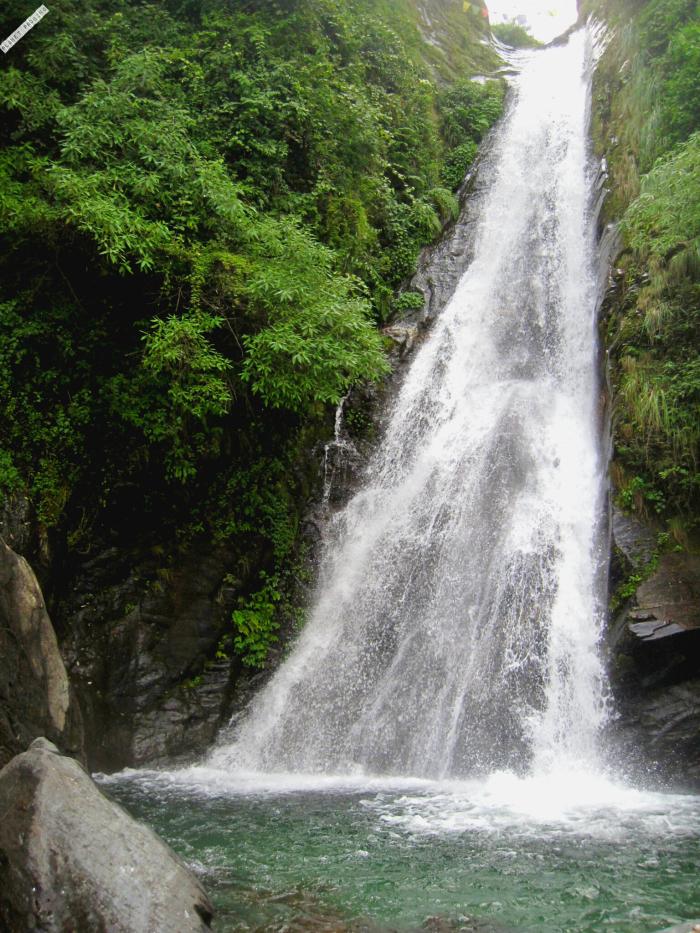 Bhagsu fall