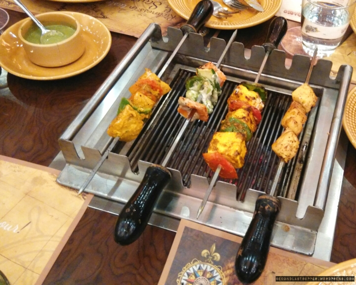 veg grills with pineapple on right