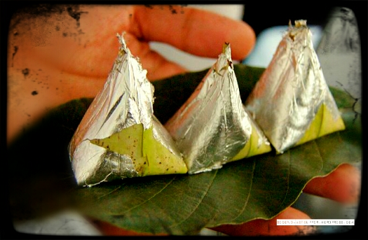 A silver coated paan