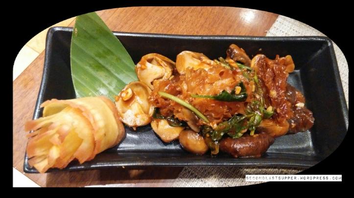 Woodier Mushrooms- Thai (Assorted mushroom in chilli basil sauce)