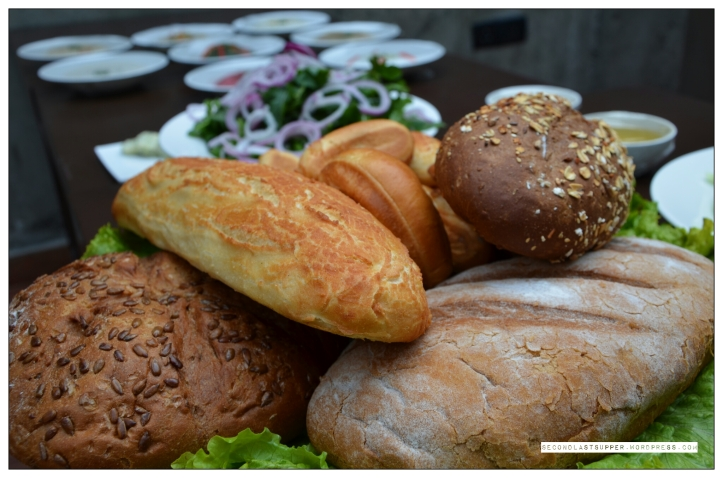 Assorted breads with Tiger-skin bread (on top)