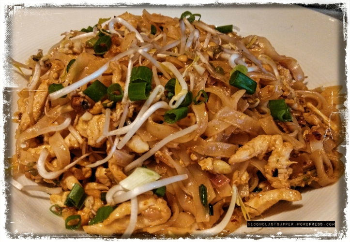 Phat thai noodle chicken