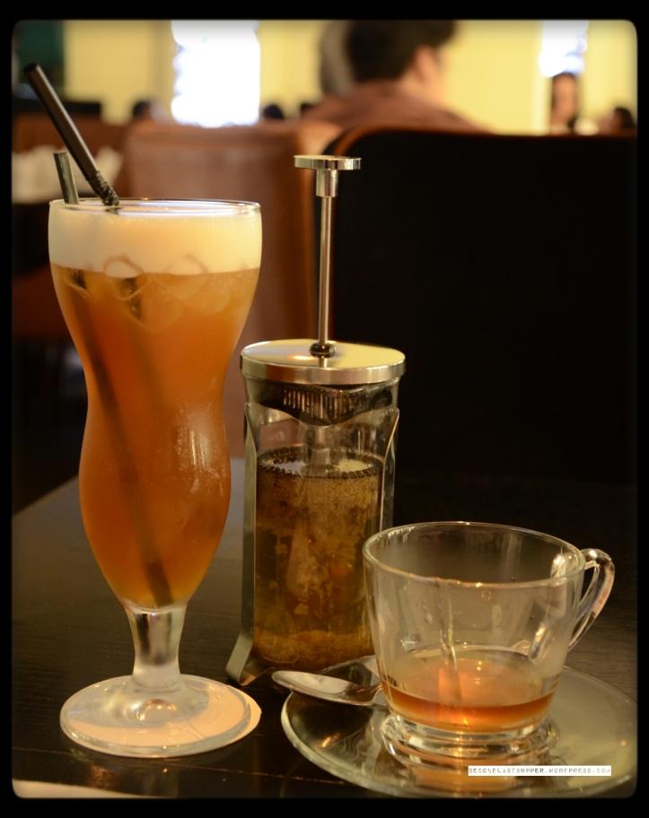 Apple cinnamon Ice-tea and Egyptian Chamomile tea.