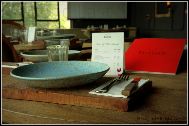The subtle interiors and amazing cutlery!!