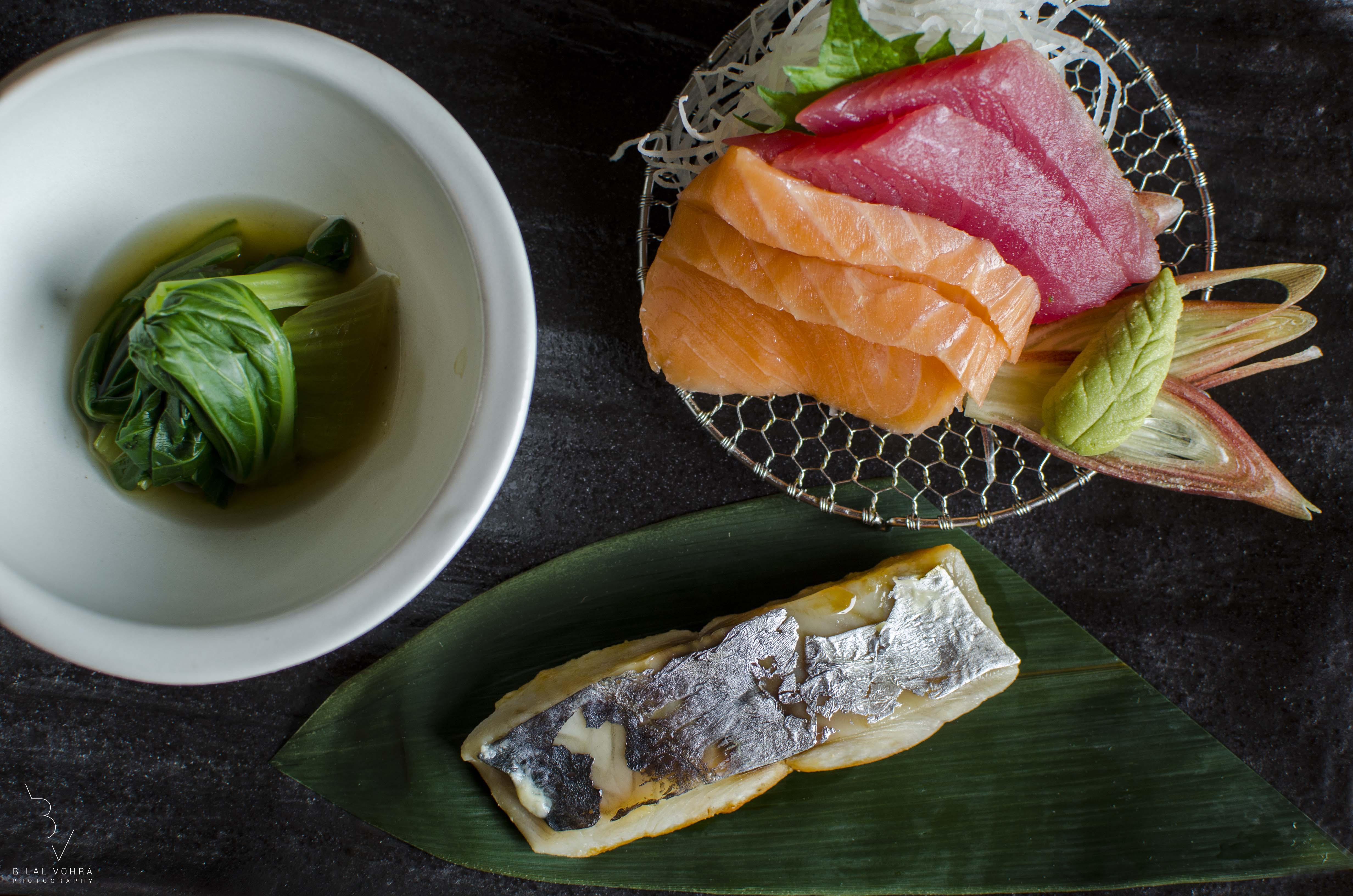 Sashimi platter - Sake (salmon), Maguro (tuna), Mackrel & Pockchoy Kobachi (Small Bowl)